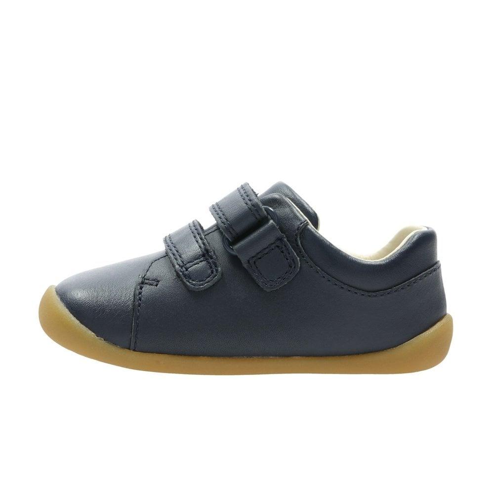 e9f4ef7d73b6 ... Clarks Girls/Boys Roamer Craft H Toddler Kids Leather Shoes - Navy