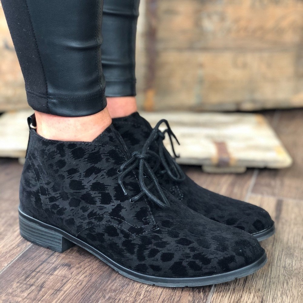 Flat Lace Up Ankle Boots - Black