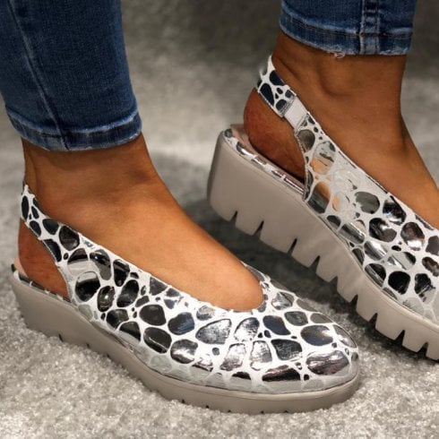 Wonders C-33152 Silver Print Wedge