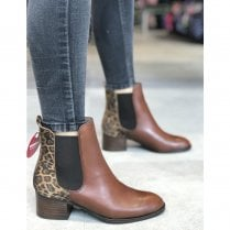 Wonders Brown Low Block Heel Ankle Boots
