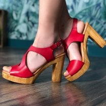 2Go Womens Red Block Heel Platform Sandals - Red