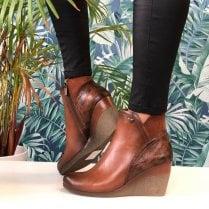 Susst Ladies Nadine Tan Wedge Ankle Boots