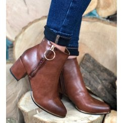 Escape Ladies Plute Two Brown Heeled Boot